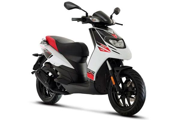 Formentera Moto Rent - Aprilia SR Motard 50c.c