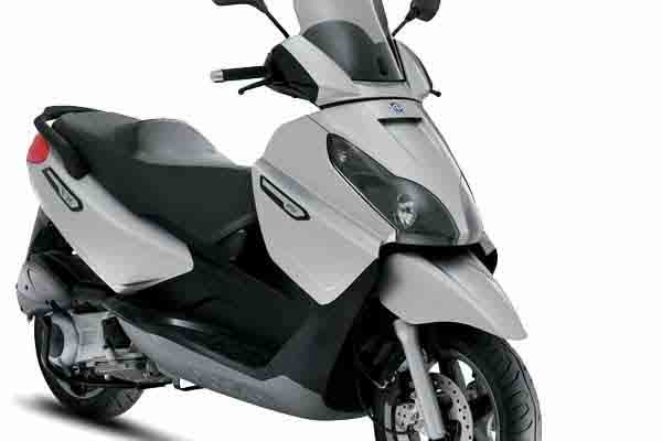 Formentera Moto Rent - Piaggio X7 EVO 300c.c